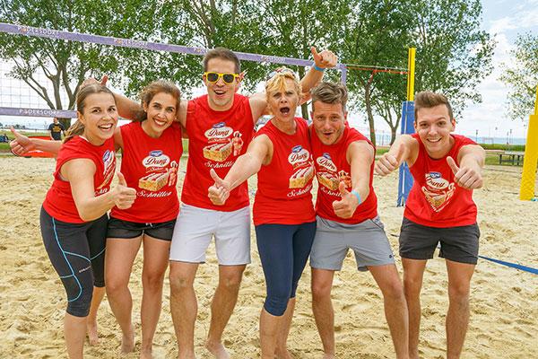 Reach the Beach - Danone - Team - Cheer